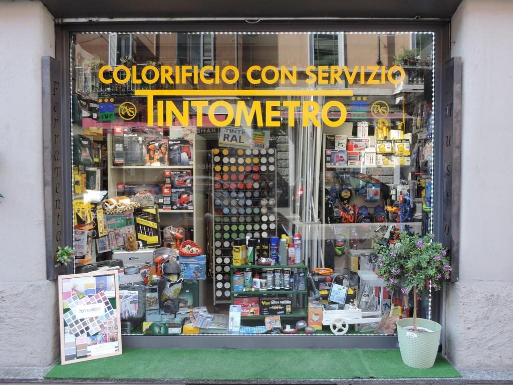 Ferramenta Musto Milano fabbro laboratorio colorificio