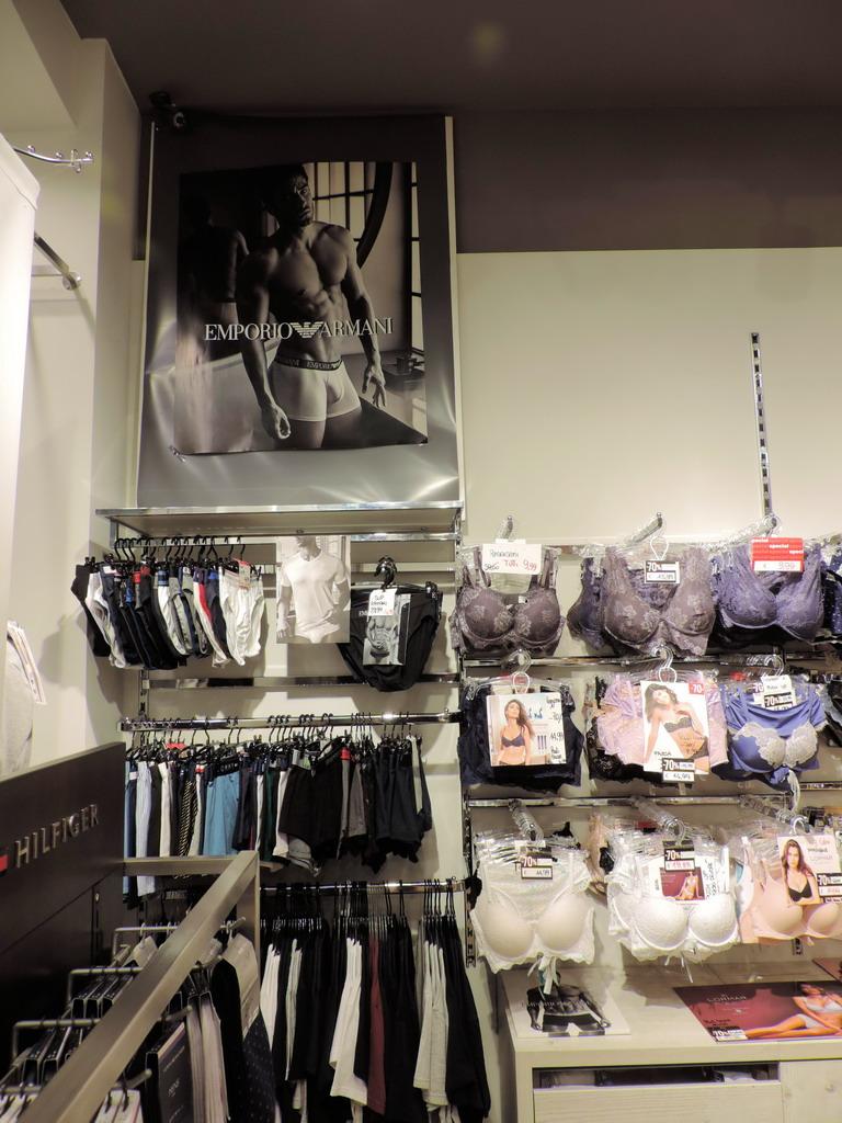 Intimo 3 + Milano lingerie moda mare