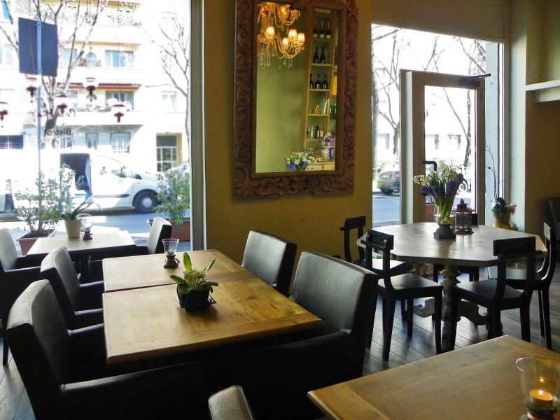 Casa mia caffetteria bistrot milano for Ospitare amici in casa