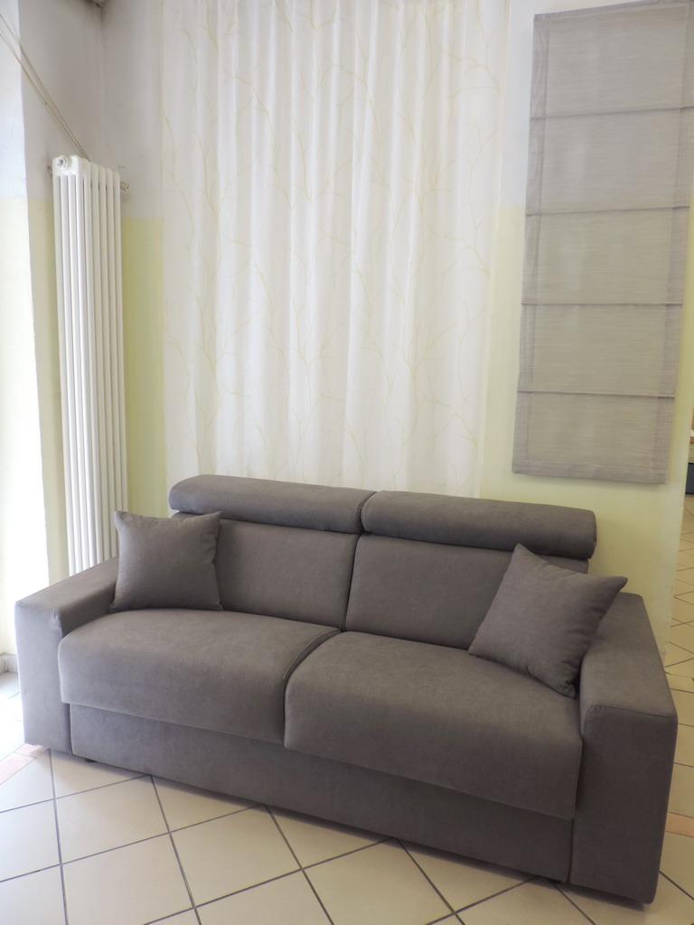 Danese Casa Milano tendaggi materassi tappezziere