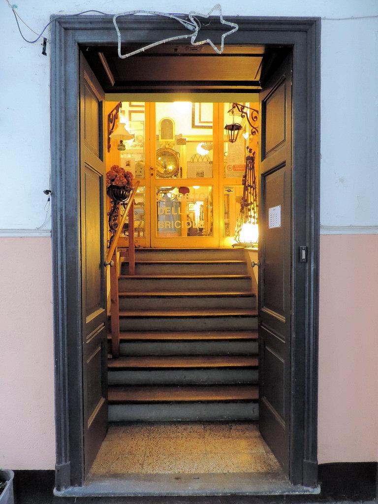 Il Posto delle Briciole antiquariato antichità Milano