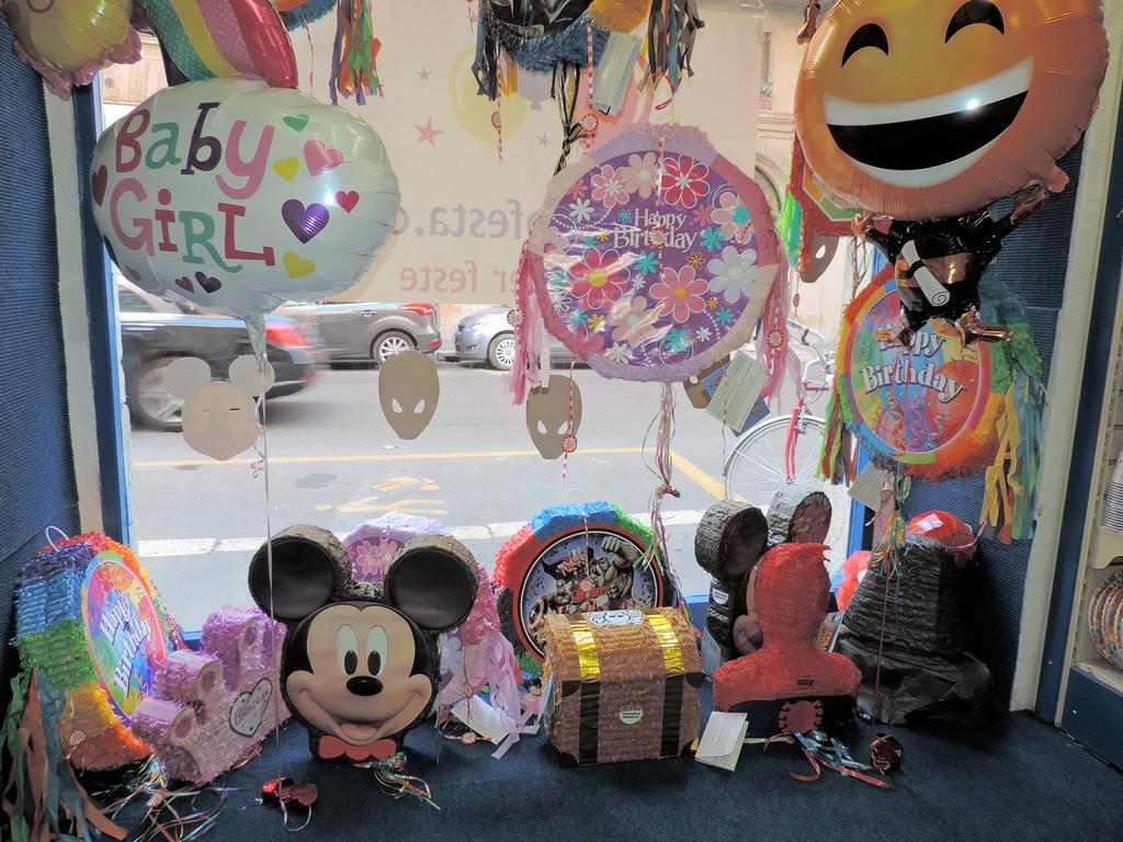 Party World Milano Articoli per Feste