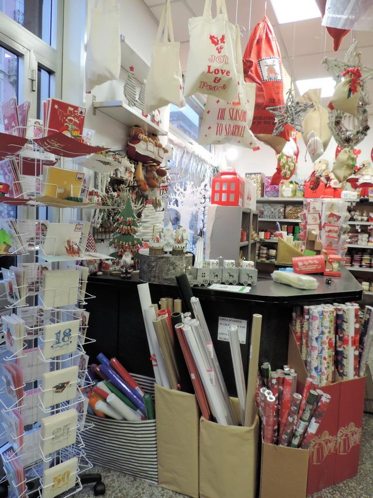 Supermercato della Carta articoli per feste e regalo Milano