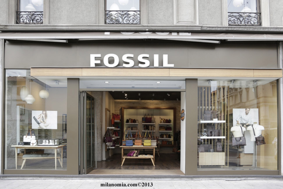 FOSSIL STORE logo