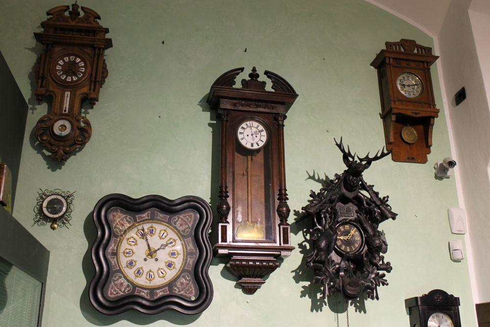 Le muse orologi pendoli antichi milano for Pietro milano orologi