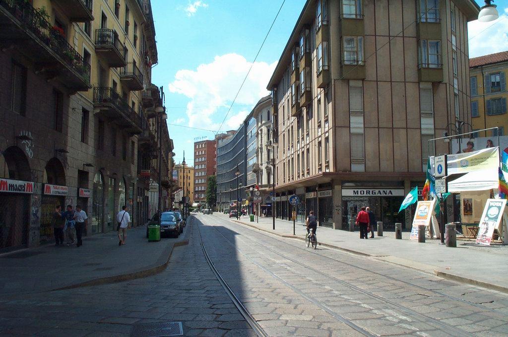 Associazione Commercianti e Artigiani di via Torino 01