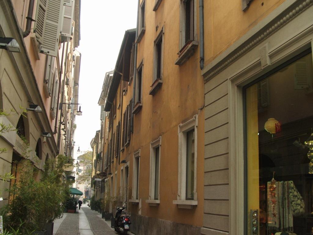 Associazione Commercianti e Artigianidi Via Mercato e adiacenti 02