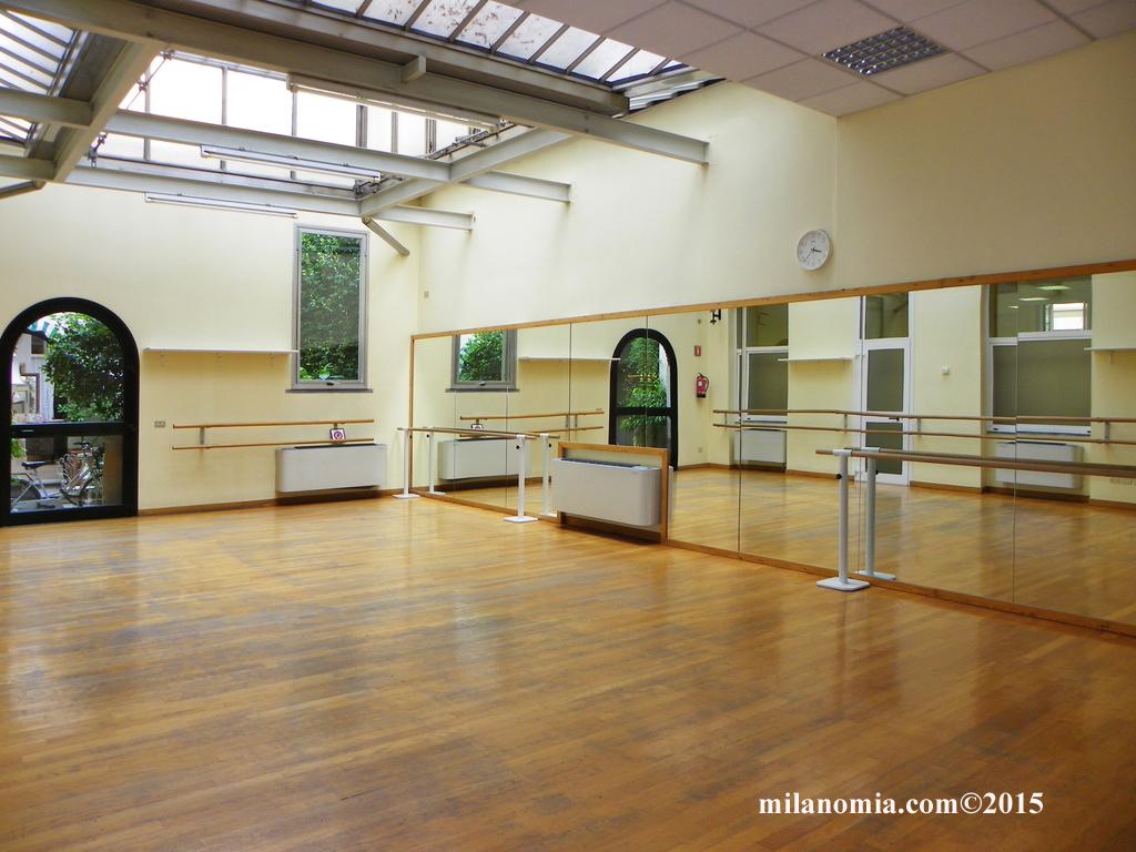 Accademia scuola di danza a milano for Accademia di milano