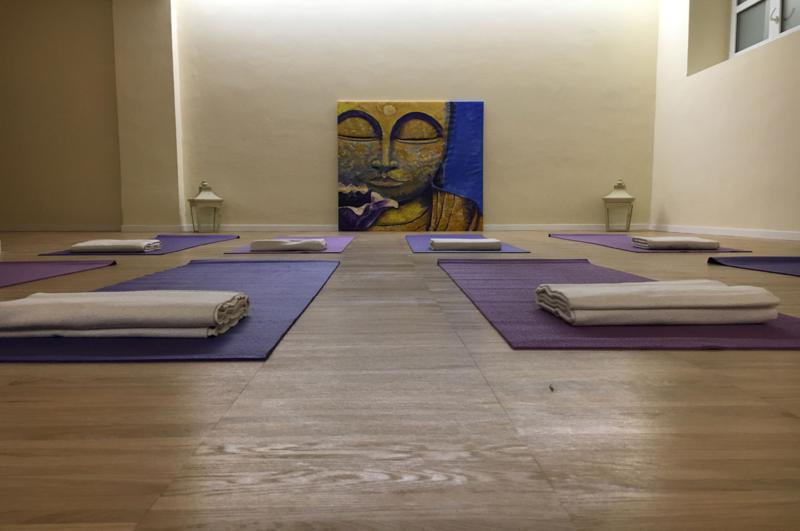 Arealiquida Spazio alla Persona corsi di yoga, danza, eventi, pratiche olistiche, affitto spazi bambini e adulti Milano