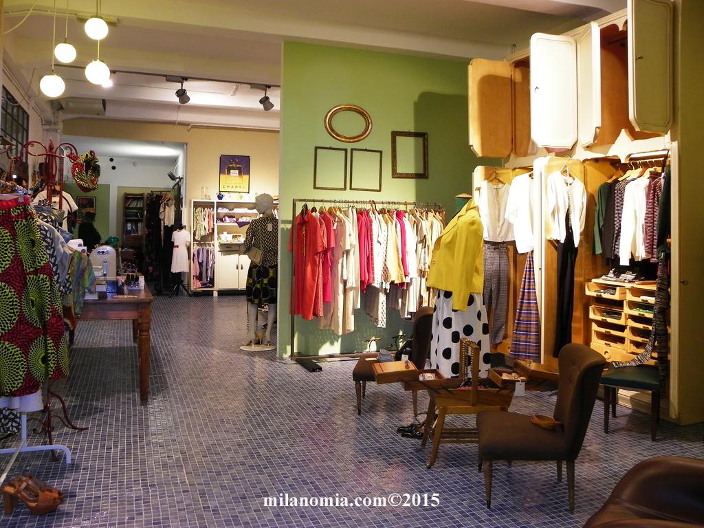 Particelle Complementari abbigliamento accessori Milano 01