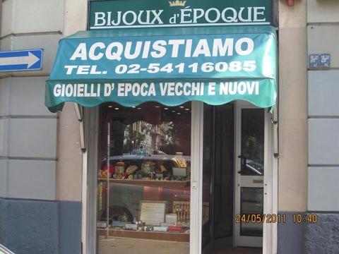 BIJOUX D'EPOQUE 024