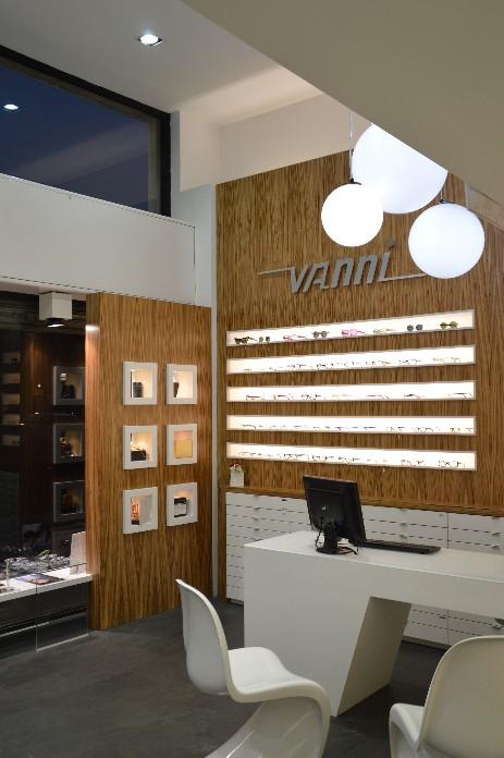OTTICA VANNI negozio ottica - occhiali sole - lenti a contatto Milano