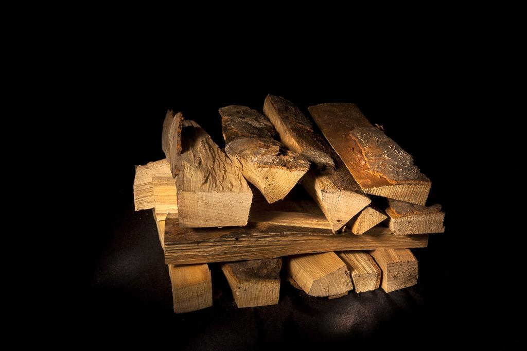 Cella Combustibili Milano legna pellets bombole
