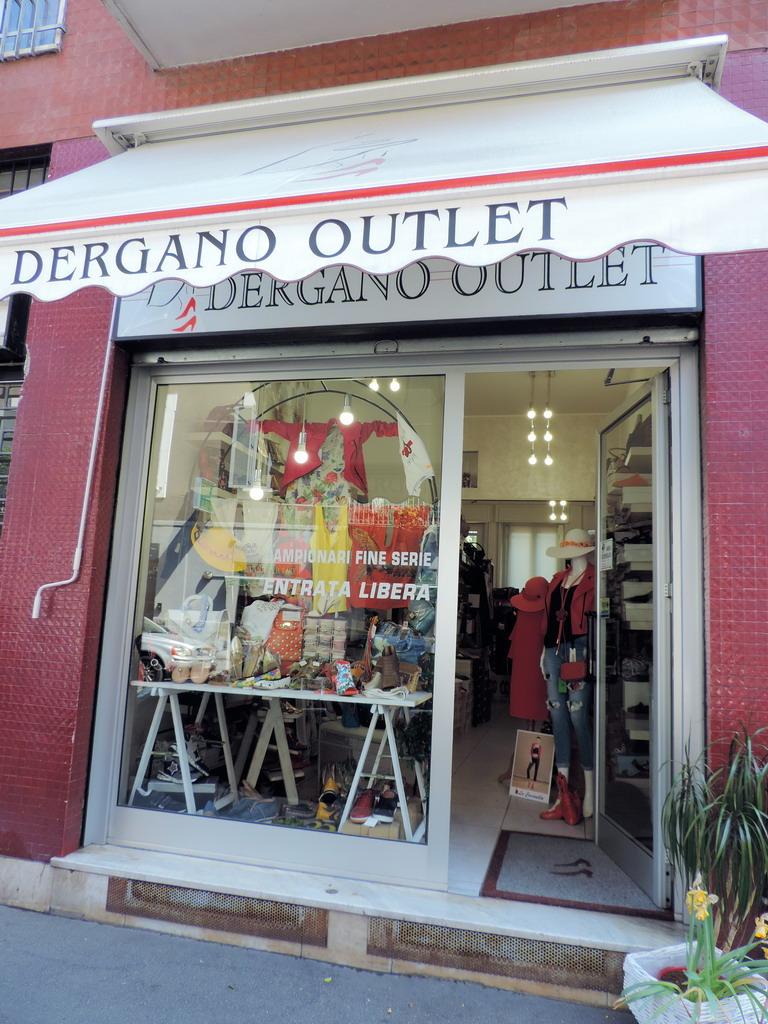 Dergano Outlet calzature artigianali abbigliamento donna accessori moda Milano